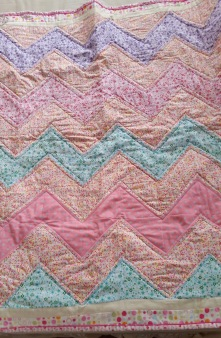 Tracy - Chevron Quilt